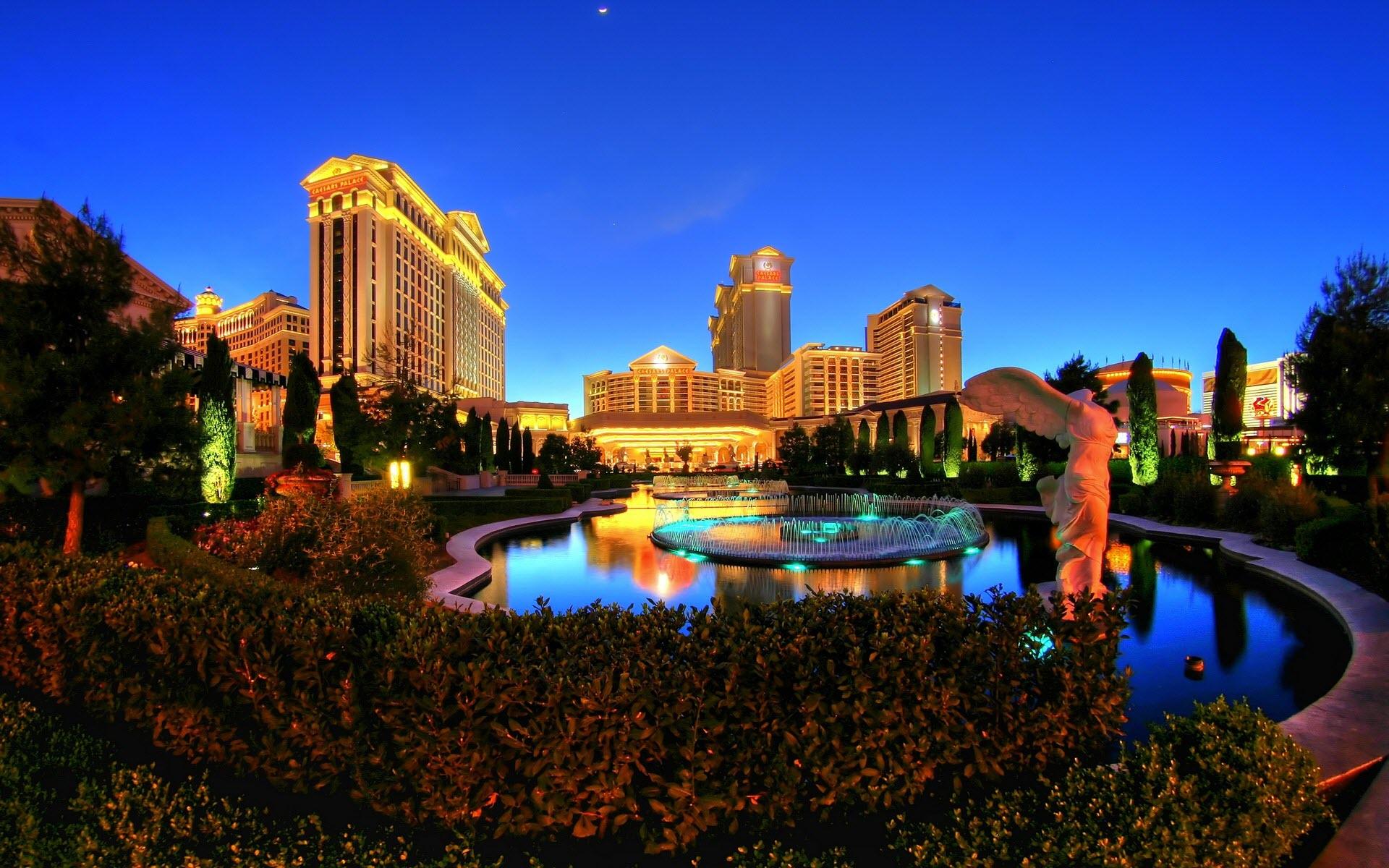 Caesars_palace_las_vegas_hotel_casino-wide